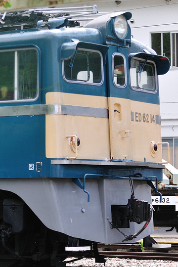 2010053002
